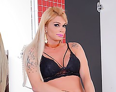 Sexy shemale Bruna Gaucha