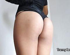 Shemale kitty masturbating solo