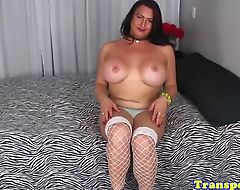 Gorgeous tranny tugs on her hard cock