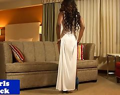Ebony tgirl beauty busting creamy load
