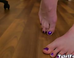 Foot fetish tranny arching her nice feet