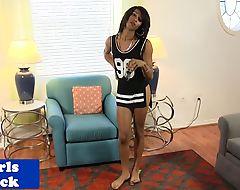 Black tranny wanking off seductively