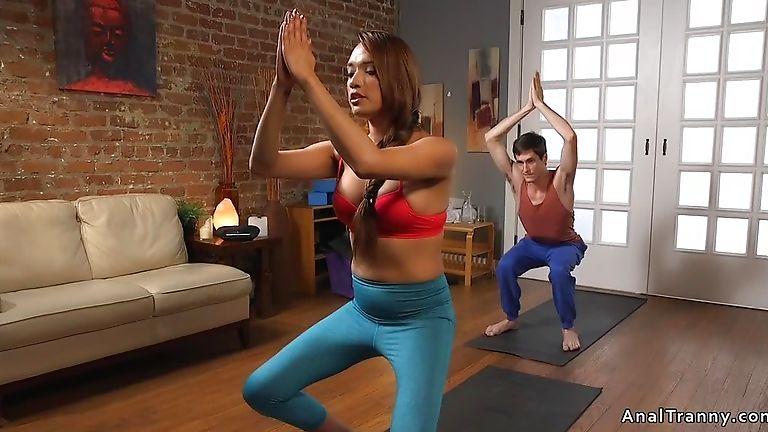 Tranny yoga teacher anal fucks dude