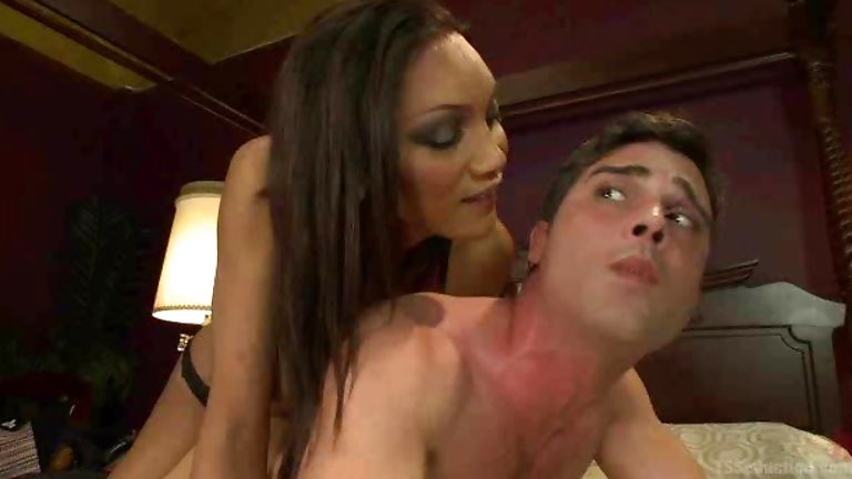 Jeniffer hills in shemale domme abuses slave