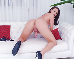 Curvy shemale masturbates her hard cock
