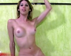 Skinny shemale strips off her bikini and reveals massive ass