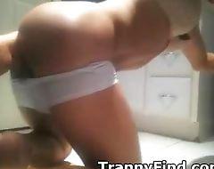 Tranny with a dildo