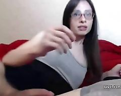Nerdy Trap Shoots Cum in Own Face