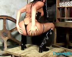 Big booty tranny dances and teases