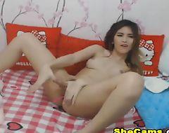 Solo Pretty Shemale Cam Show