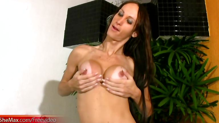 T-girl with perfect boobs enjoys her jerking time in jacuzzi