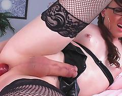 Kinky tranny masturbates her tight asshole on the bed