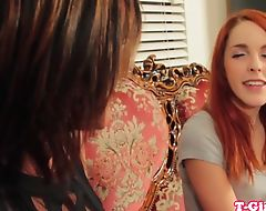 Les tgirl strapon fucked by redhead beauty