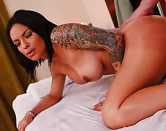 Latina Foxxy enjoys a hardcore sex with notable horny Roman Todd