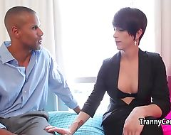 Black dude sucking tranny cock