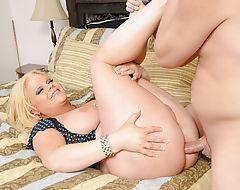 Busty Tgirl Holly Sweet Gets Assfucked