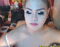 Hot Shemale Satisfies Her Sexual Urge