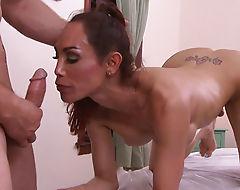 Sunday Valentina sucks and gets fucked
