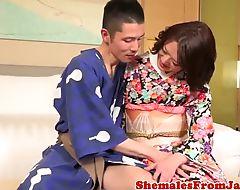 Japanse kimono newhalf assfucking dude