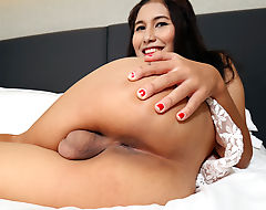 TGirl Bhoom's solo action